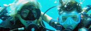 Formation de plongée sous marine adaptée aux enfants pour devenir un vrai plongeur
